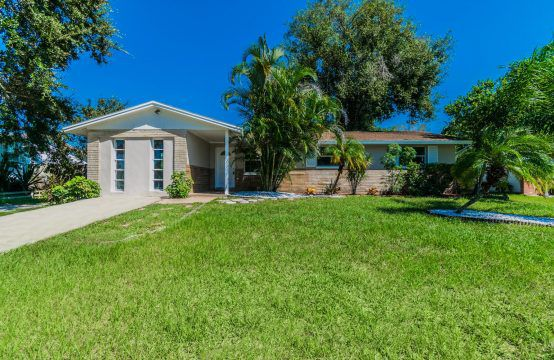 8911 113TH ST, SEMINOLE, FL 33772