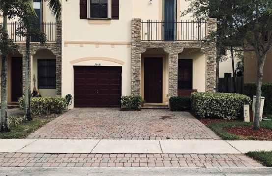 23483 SW 112 PL HOMESTEAD, FL 33032